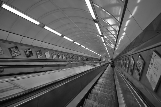 escalator-london-tube